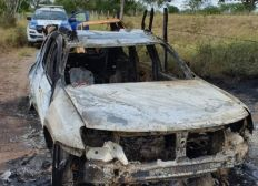 Quatro corpos são encontrados carbonizados dentro de carro em Santo Estevão