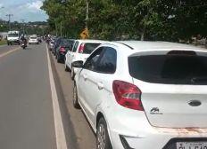 Motoristas enfrentam longas filas para embarcar no Terminal Bom Despacho