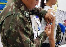 Bolsonaro anuncia que as Forças Armadas vão ajudar a vacinar população