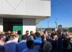 'Não vai ter lockdown', diz Bolsonaro após Brasil registrar 4,2 mil mortes em um dia