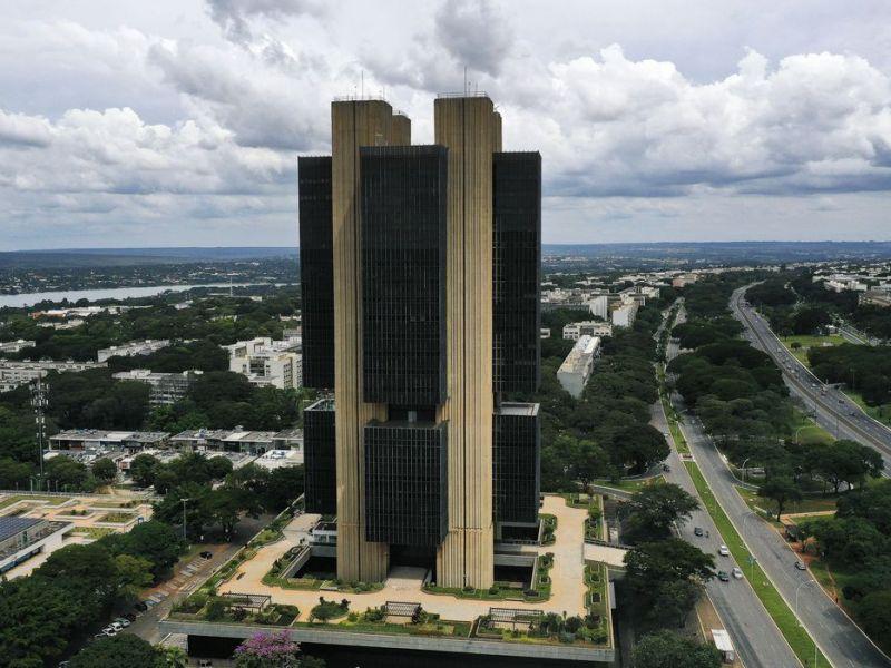 Boletim Focus: mercado financeiro eleva expansão do PIB 4,85% para 5%