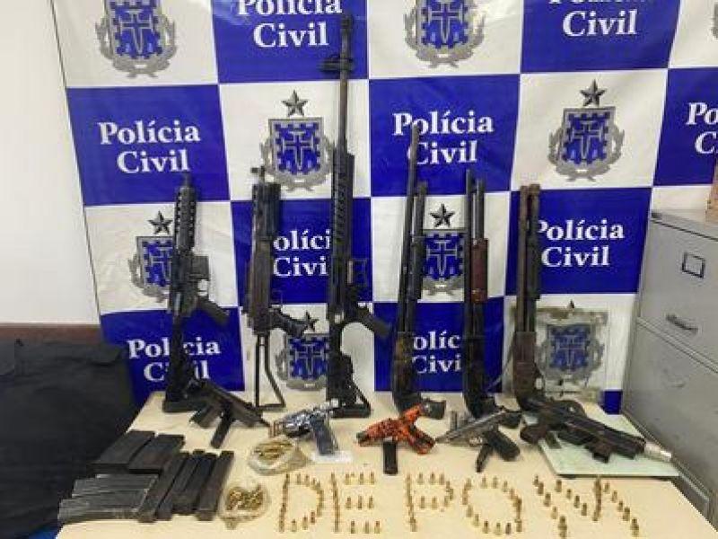 Operação do Depom encontra arsenal do tráfico durante operação
