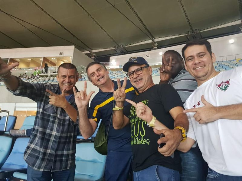 Queiroz manda recado para aliados de Bolsonaro