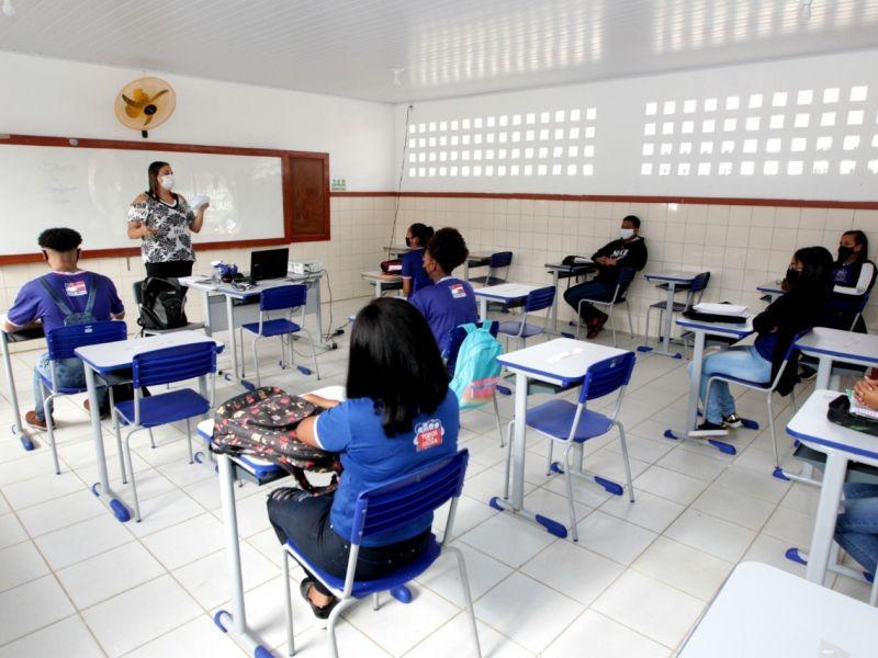 APLB afirma que 95% dos professores não retornaram a sala de aula; Governo rebate dados