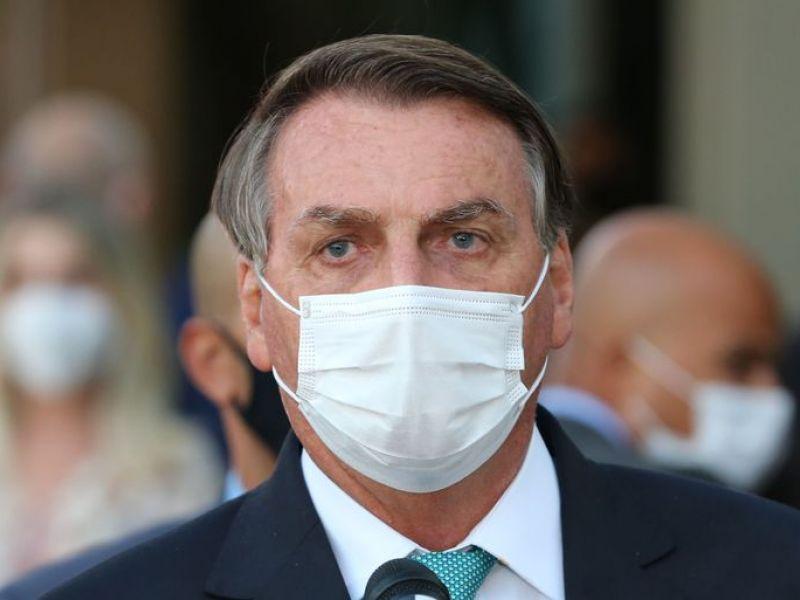 Bolsonaro diz a apoiadores que vetará parte do fundo eleitoral