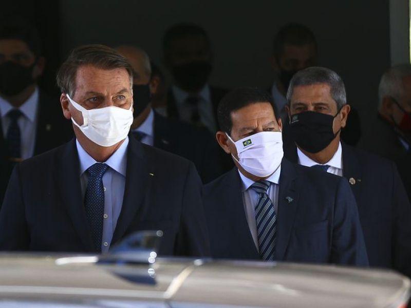 """""""Sem comentários"""", rebate Mourão sobre crítica feita por Bolsonaro"""