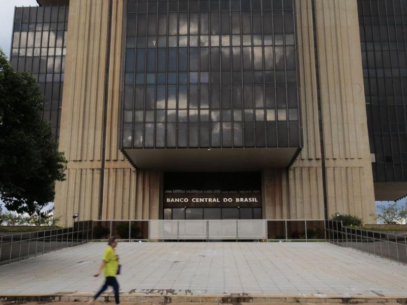 Ativos de brasileiros no exterior ultrapassam US$ 558 bilhões, diz BC