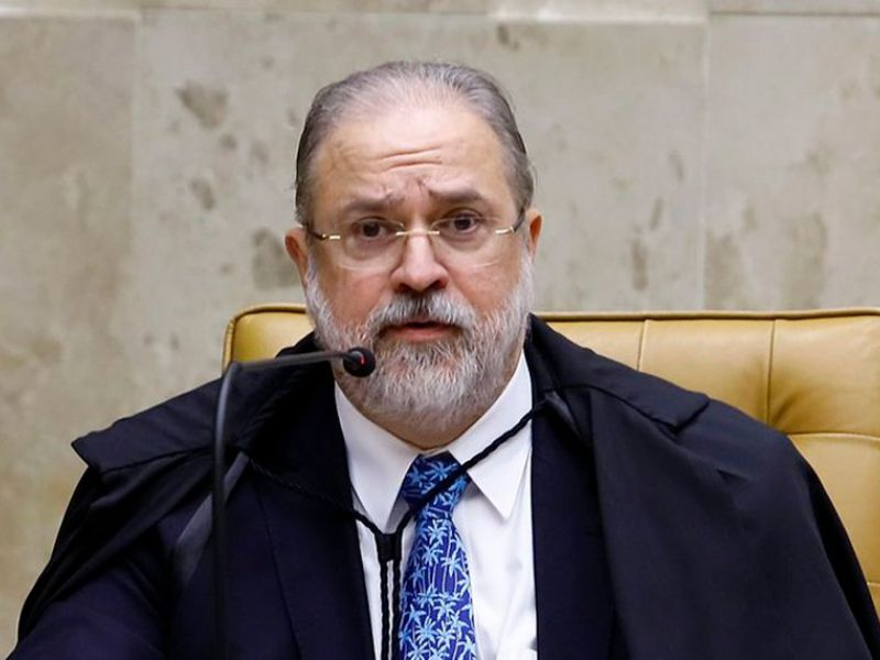 Aras vai intimar Braga Netto para explicar ameaças às eleições 2022
