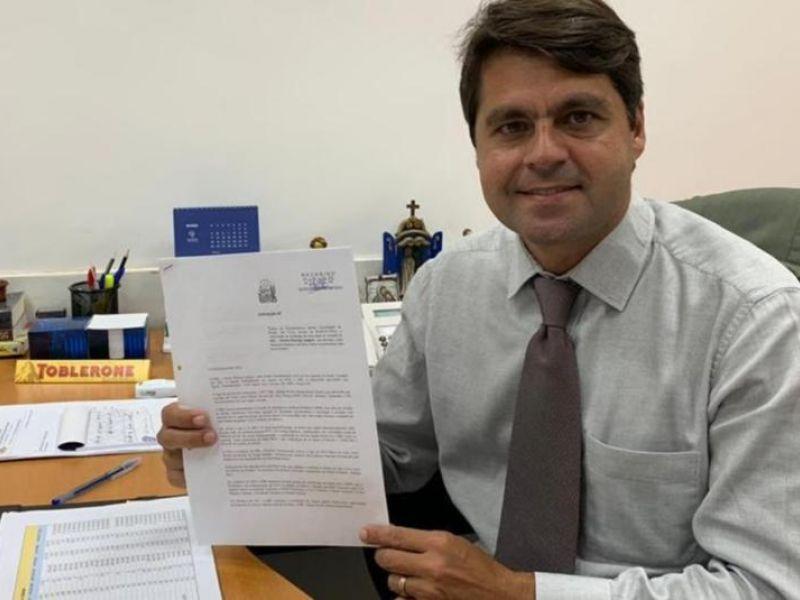Deputado defende a distribuição de absorventes para mulheres de baixa renda da capital baiana