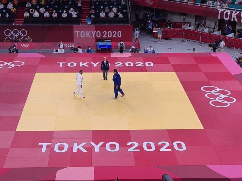Maria Suelen se machuca e perde nas quartas de final do judô de Tóquio
