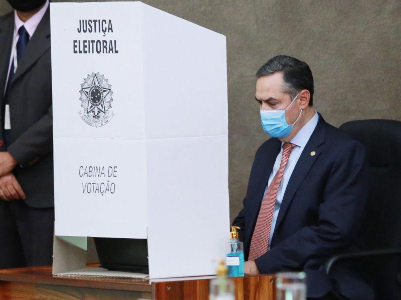 TSE rebate em série 18 alegações de Bolsonaro feitas sem prova contra urna eletrônica