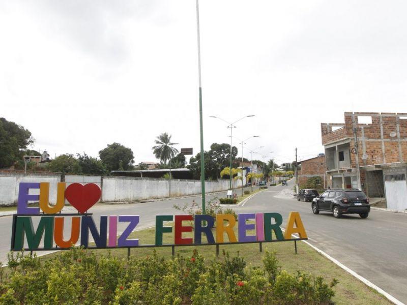 Rui Costa entrega sistema de abastecimento de água e anuncia novas ações em Muniz Ferreira