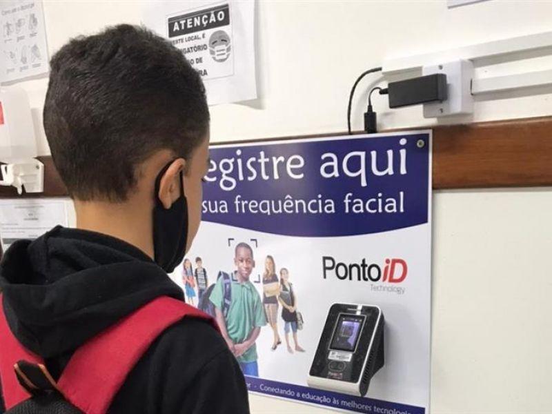 Prefeitura adota reconhecimento facial para monitorar frequência de alunos