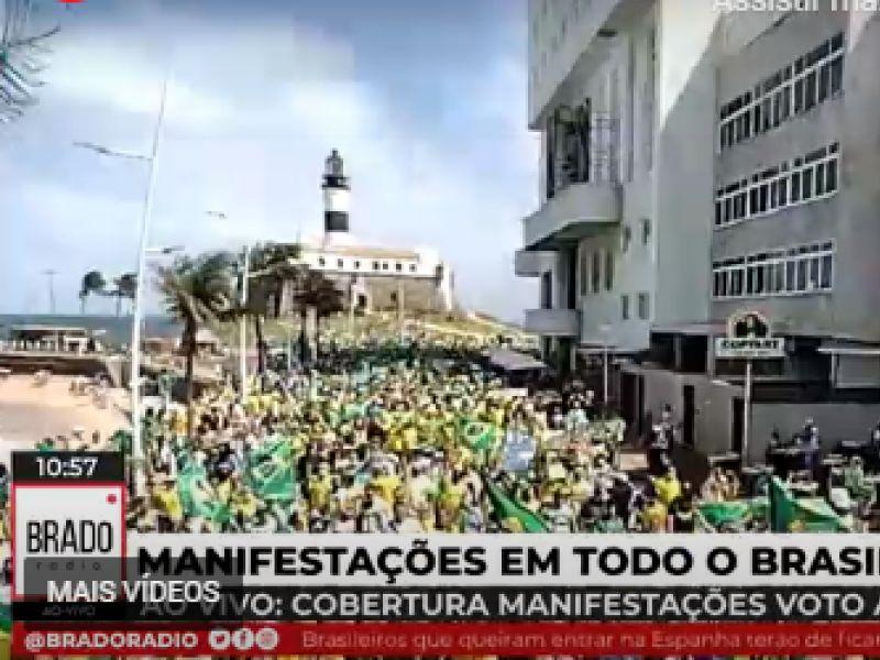 Apoiadores de Bolsonaro protestam a favor do voto impresso neste domingo (1º) em Salvador