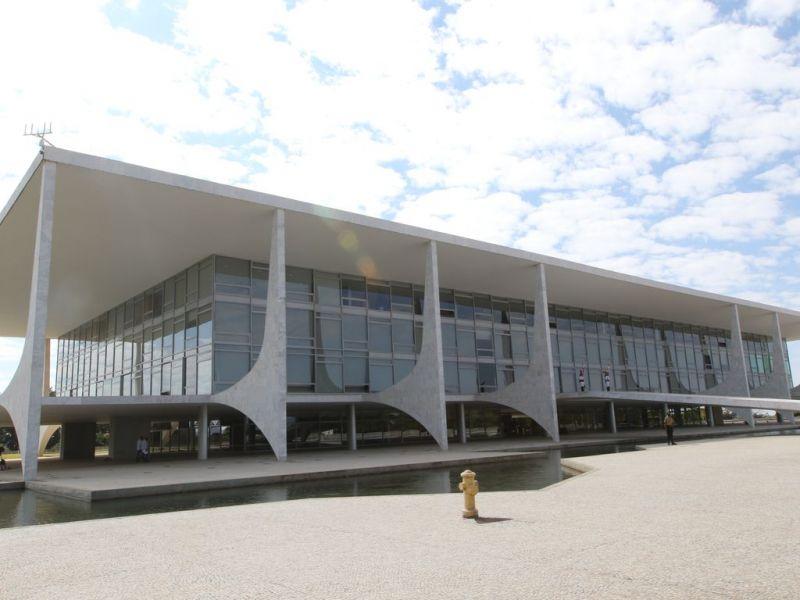 Planalto pretende ampliar base no Congresso com o MDB