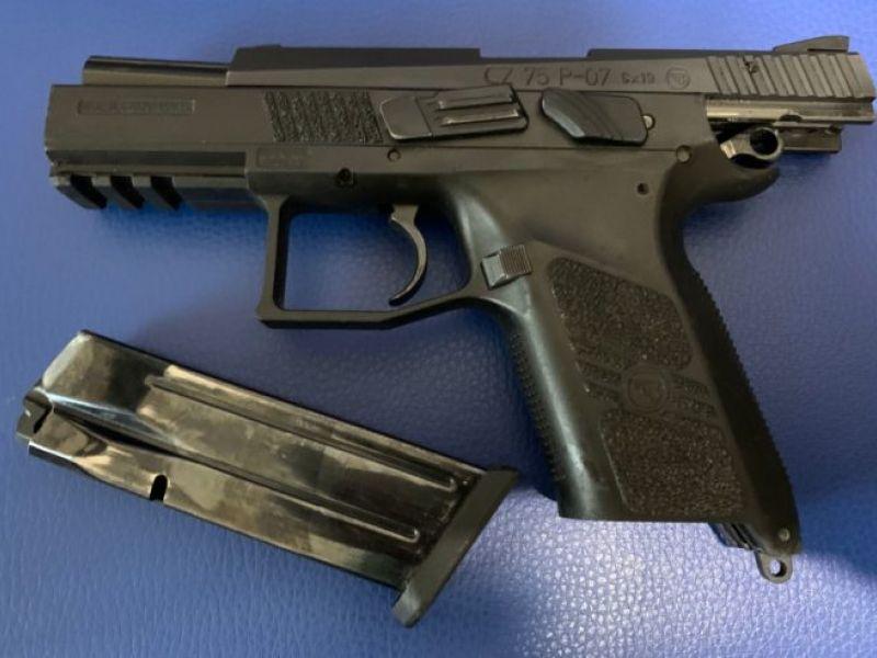 Homens são presos por posse ilegal de armas em Feira