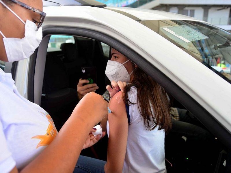 CIB autoriza vacinação de adolescentes na Bahia e imunização deve ser retomada; assista