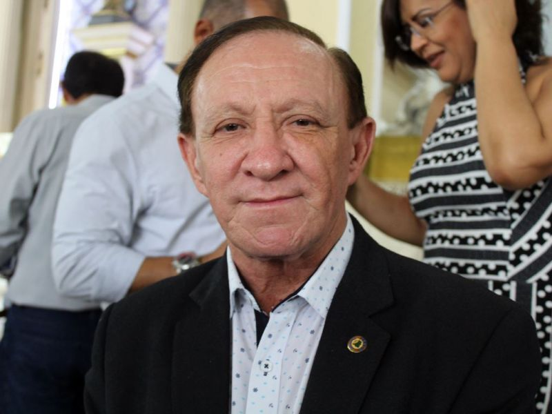 Deputado Carlos Ubaldino sofre infarto e família pede orações