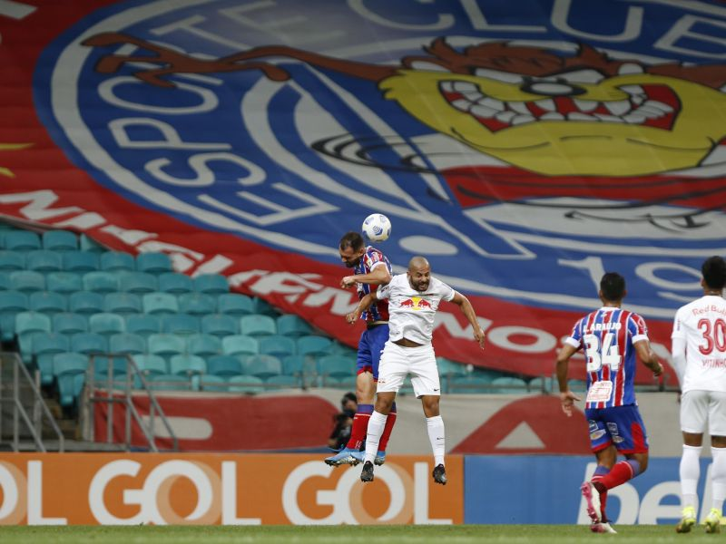 Rodallega marca golaço, mas Bahia fica só no empate com o Bragantino
