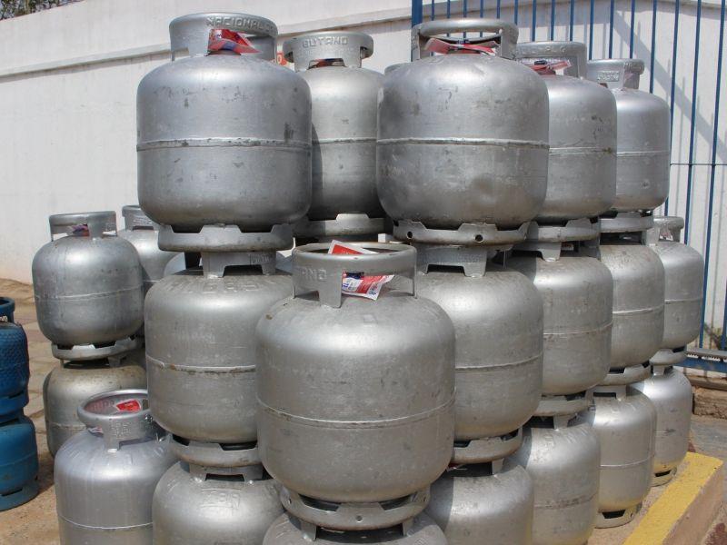 Botijão de gás chega a R$ 92,5 em Salvador