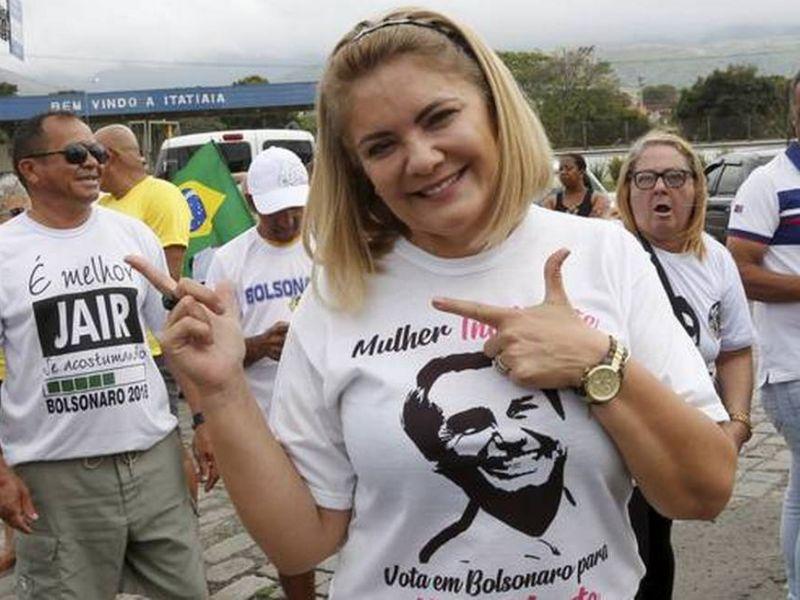 Quebra de sigilo de ex-mulher de Bolsonaro atinge época de casamento com presidente