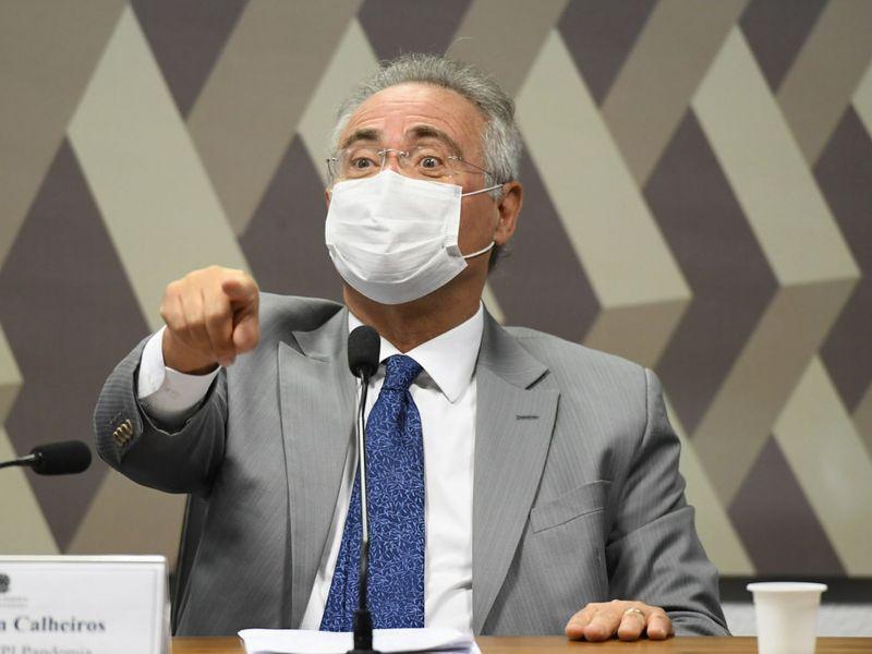 Renan Calheiros adia entrega do relatório final da CPI