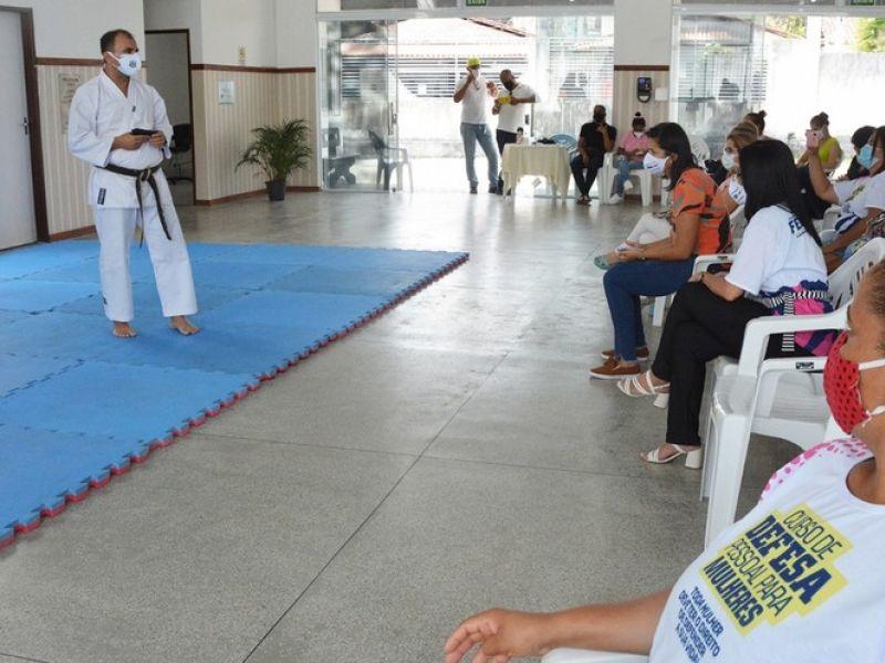 Curso gratuito de defesa pessoal para mulheres vítimas de violência abre inscrições em Feira de Santana