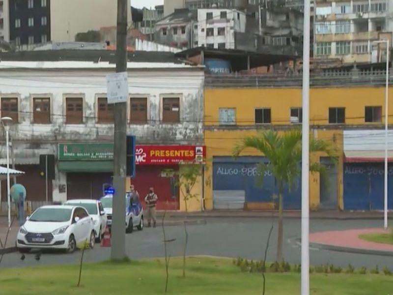 Ônibus voltam a circular na Barroquinha com reforço policial