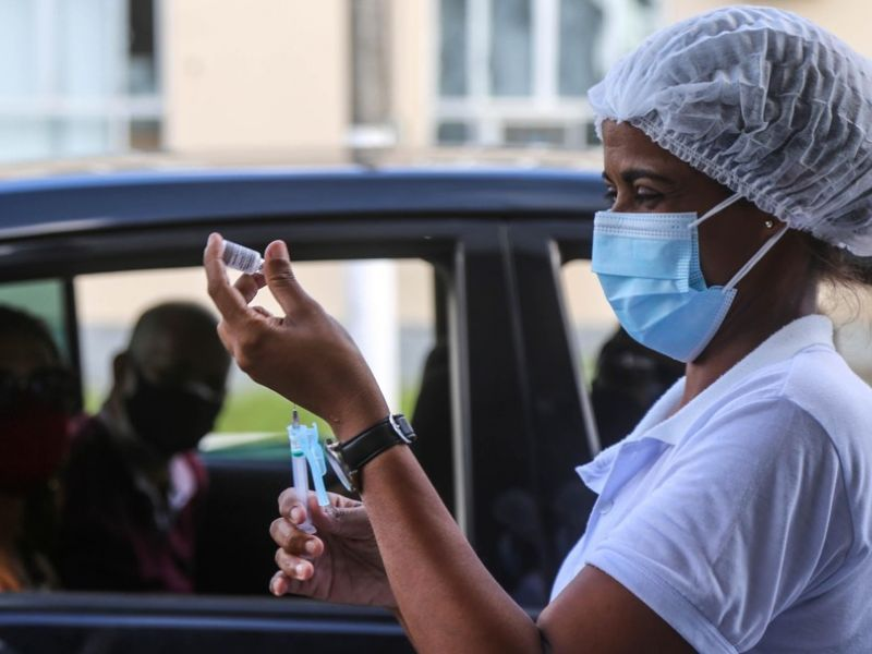 Salvador atinge marca de 2 milhões de vacinados contra a covid-19
