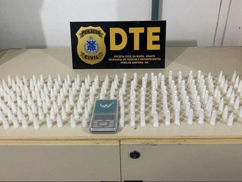 Suspeito é flagrado com 250 pinos de cocaína em Feira