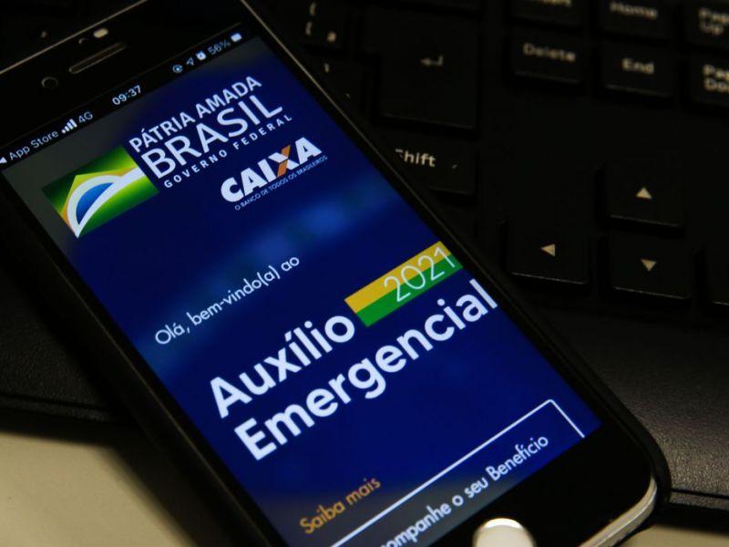 Caixa paga hoje auxílio emergencial a nascidos em março