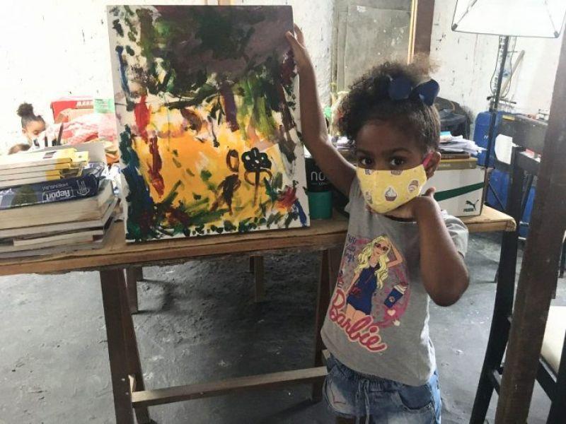 Solar do Unhão realiza oficina de arte gratuita para crianças neste domingo (26)