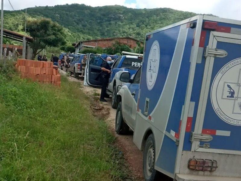 Mulher é alvejada com mais de 15 tiros no interior da Bahia