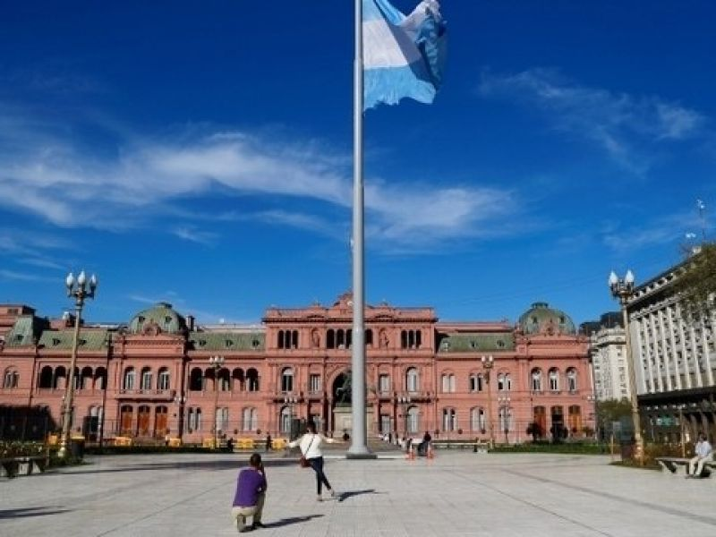 Argentina reabre fronteiras aéreas para brasileiros