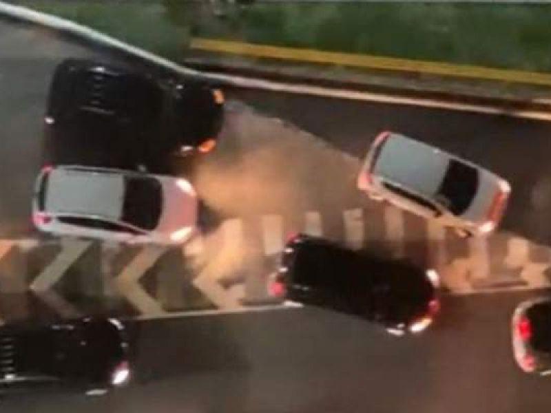 Suspeitos de assalto morrem após troca de tiros ao lado do Salvador Shopping
