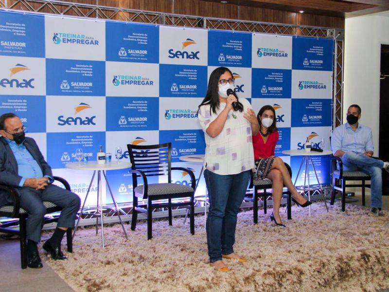 'Estamos atraindo  investidores, mudando a matriz econômica para trazer mais empregos para Salvador', diz Ana Paula Mato
