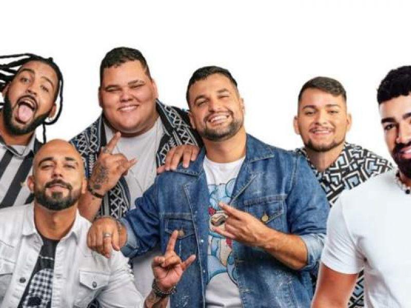 Grupo Menos é Mais anuncia primeiro show em Salvador ao lado de Dilsinho