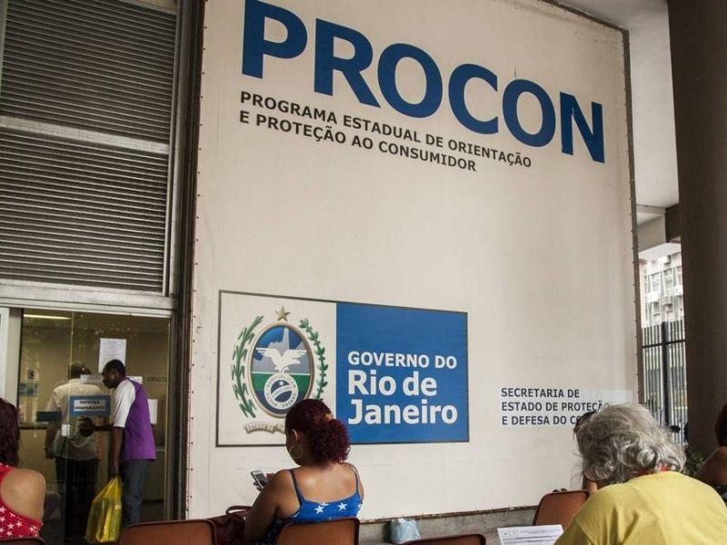 Procon exige explicações sobre reajustes de planos de saúde