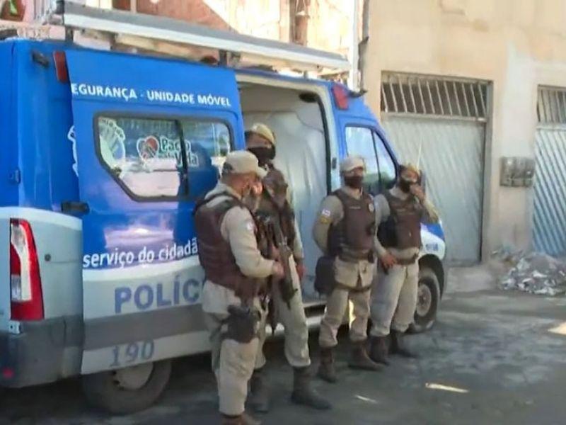 Devido a tiroteios constantes, PM instala base móvel no bairro de Periperi