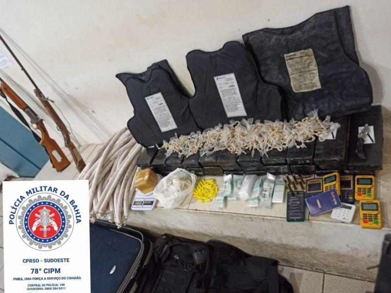 Dois homens e mais de 55kg de drogas são apreendidos em Vitória da Conquista