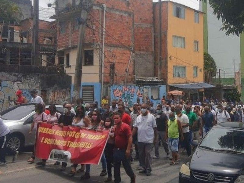 Rodoviários realizam protesto contra demora no processo de venda dos imóveis da CSN
