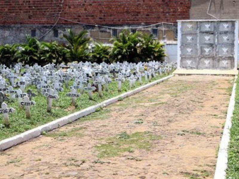 Visitas aos cemitérios municipais devem seguir protocolos no Dia de Finados